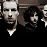 Coldplay reprend 'Rehab' d'Amy Winehouse : La vidéo